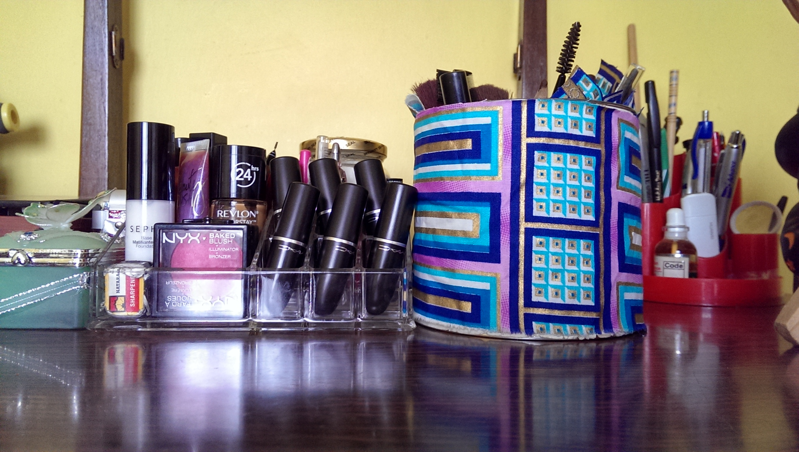 Makeup_Storage1